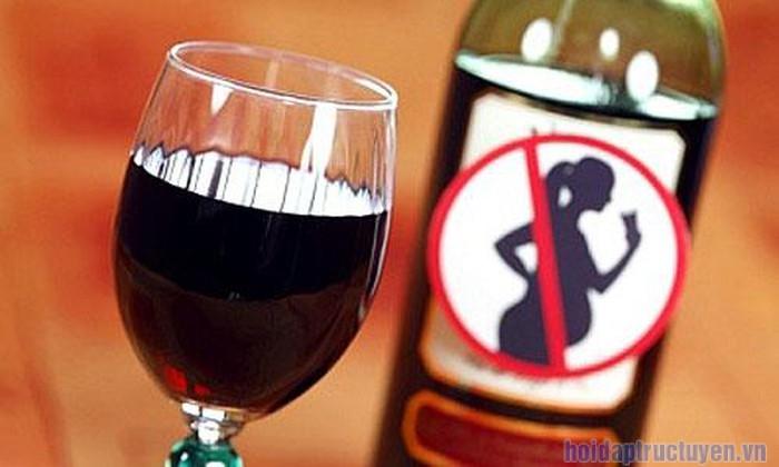 bà bầu có nên uống rượu không